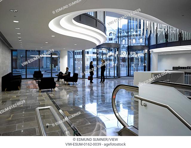 60 London at Holborn Viaduct, London, United Kingdom. Architect: Kohn Pedersen Fox Associates (KPF), 2014. Interior view in reception area