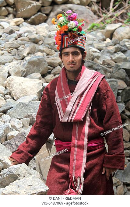 Dard man wearing traditional attire in the Dah Village, Baimah, Ladakh, Jammu and Kashmir, India. Dards are an Indo-European people living on the Indus in the...