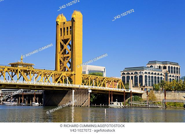Historic Tower Bridge over the Sacramento River, Sacramento, California, USA