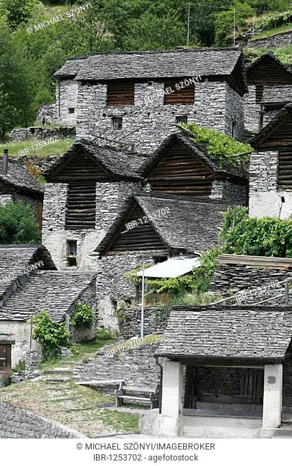 Brontallo and the stables, Brontallo e le Stalle, historic way station on the trail of rocks in the Val Lavizzara, symmetrically designed stables in Brontallo