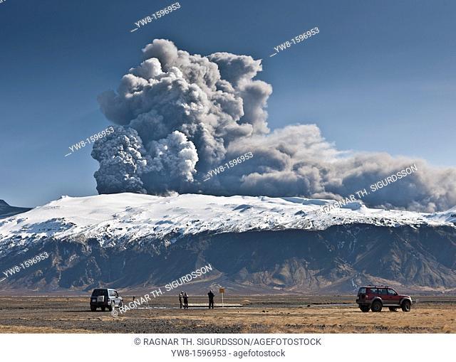 People watching the Eyjafjallajokull Volcanic Eruption, Iceland 2010