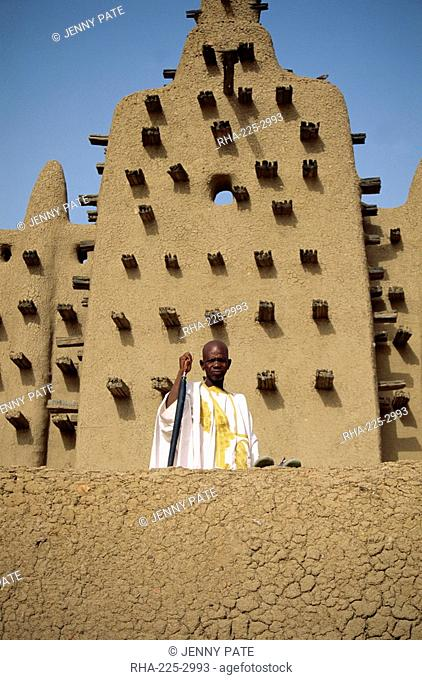 Portrait of man outside the Great Mosque, the largest dried earth building in the world, UNESCO World Heritage Site, Djenne, Mali, Africa