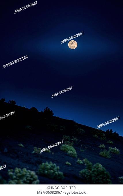 Spain, the Canaries, La Palma, Los Canarios, Fuencaliente, volcano, St. Antonio, moon, moonlight