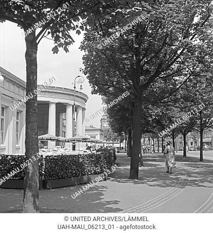 Der Elisenbrunnen in Aachen, Deutschland 1930er Jahre. Elisenbrunnen spa fountain at Aachen, Germany 1930s