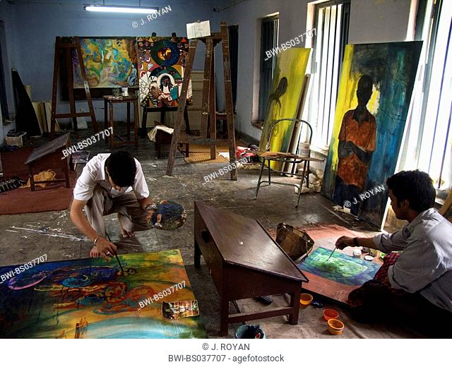 art workshop at Shantiniketan University, India, West Bengal