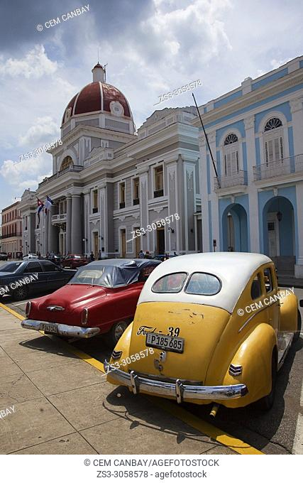 View to the City Hall-Ayuntamiento in Parque Jose Marti at the town center, Cienfuegos, Cuba, West Indies, Central America