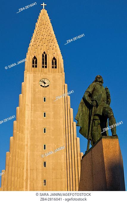 Hallgrimur Church (Hallgrimskirkja) and monument to Erik. Reykjavik, Iceland