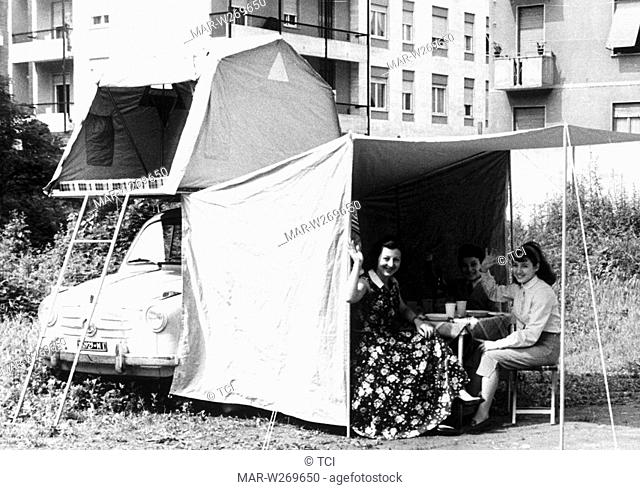 tenda montata su fiat 600, 1958