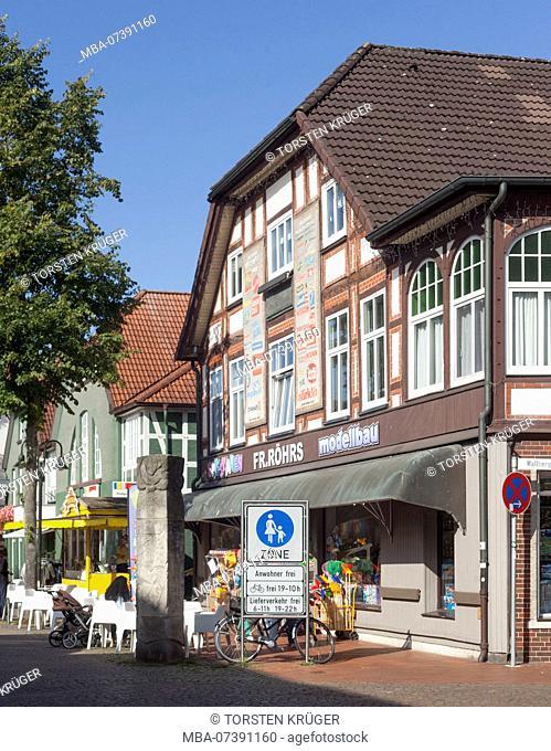 Germany, Lower Saxony, Rotenburg (Wümme), half-timbered house, pedestrian street Große Straße