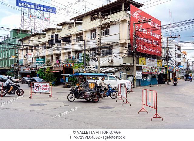 Asia, Thailand, Samut Songkhram, urban architecture