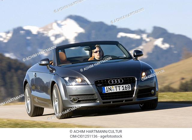 Audi TT Roadster 3.2 Quattro, model year 2007-, gray-blue moving, diagonal from the front, frontal view, country road, landsapprox