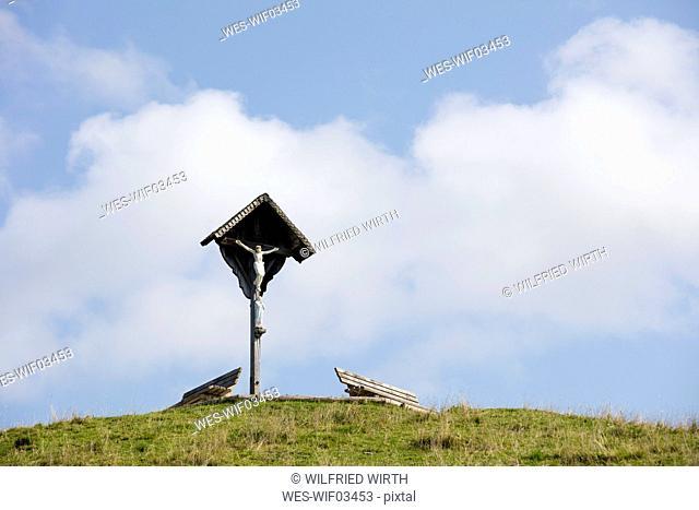 Germany, Bavaria, Upper Bavaria, Chiemgau, Reit im Winkl, Winklmoosalm, viewpoint and cross