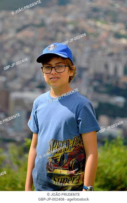 Person, teen, boy, 13 years, Morro do Cristo, 2018, City, Poços de Caldas, Minas Gerais, Brazil