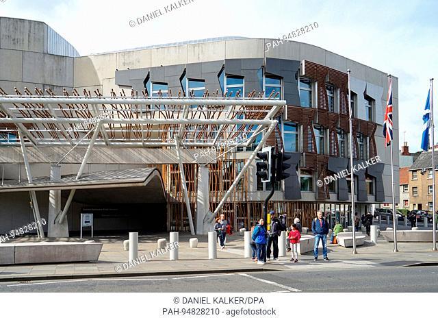 UK: Frontage of the Scottish Parliament Building in Edinburgh. Photo from 12. September 2017.   usage worldwide. - Edinburgh/Schottland/United Kingdom of Great...