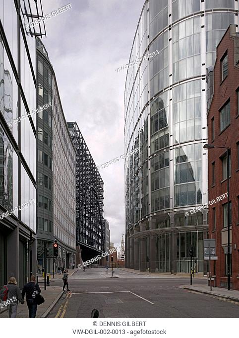 BROADGATE SOM SKIDMORE OWINGS & MERRILL ARUP ASSOCIATES LONDON 1986 VIEW THROUGH TO PRIMROSE STREET WITH BROADGATE TOWER AND EXCHANGE HOUSE,HISTORIC BUILDING