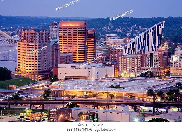USA, Kentucky, Cincinnati, Covington skyline