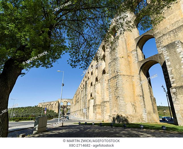 Aqueduto da Amoreira, the aqueduct dating back to the 16th and 17th century. Elvas in the Alentejo close to the spanish border