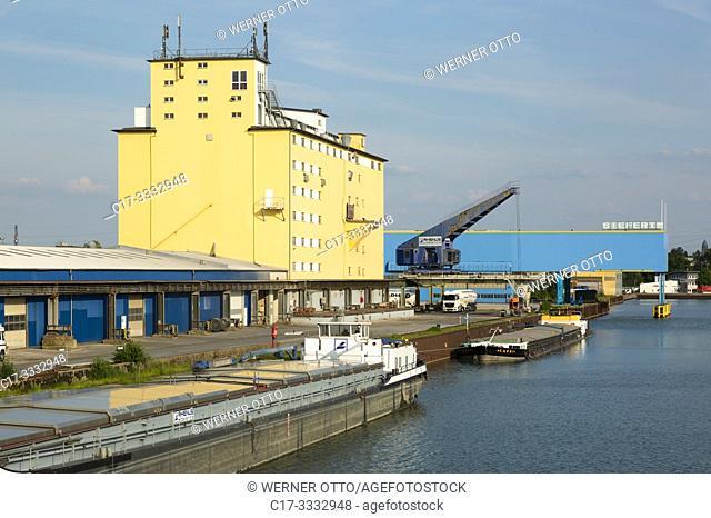 Gelsenkirchen, D-Gelsenkirchen, Ruhr area, Westphalia, North Rhine-Westphalia, NRW, Stadthafen Gelsenkirchen at the Rhine-Herne Canal, harbour, inland port