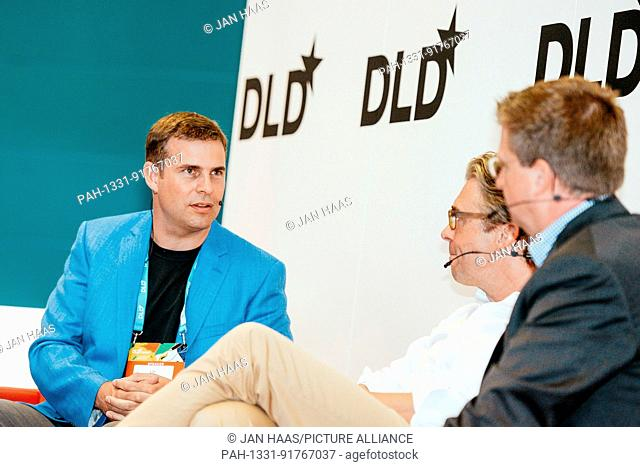 BAYREUTH/GERMANY - JUNE 21: Lin Sebastian Kayser (Hyperganic, l.) moderates a panel discussion with Thomas Andrea (Nucleus Scientific, m