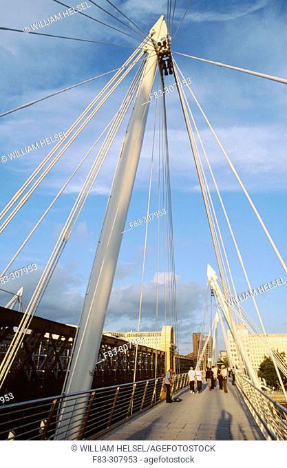Golden Jubilee Bridge (Hungerford Bridge) over the River Thames. London, UK