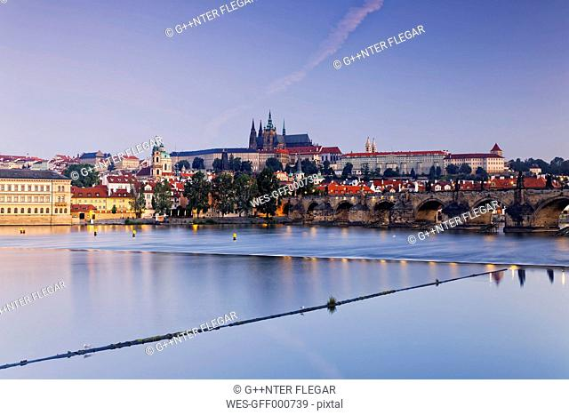 Czech Republic, Prague, Old town, Charles Bridge, Prague Castle and St. Vitus Cathedral, Vlatva river in the evening