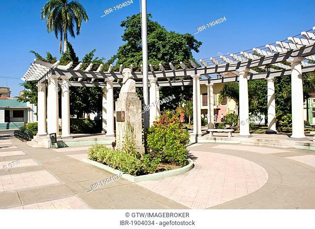Plaza de Marte and statue of Camilo Cienfuegos, Santiago de Cuba, Cuba