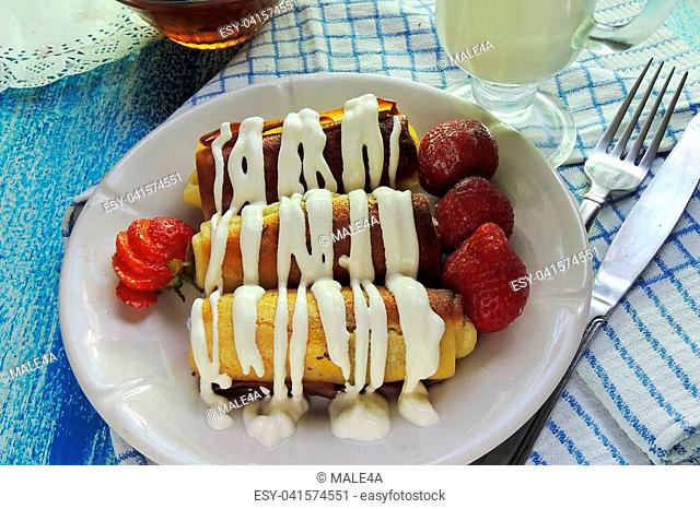 pancakes with cottage cheese and strawberry