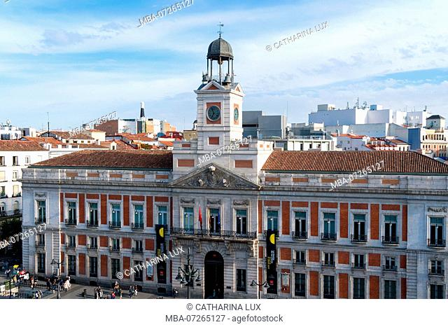 Madrid, Puerta del Sol, Casa de Correos, seat of government