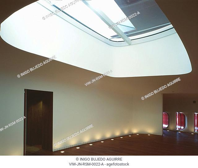 REINA SOFIA MUSEUM, RONDA DE ATOCHA, MADRID, SPAIN, JEAN NOUVEL, INTERIOR, ROOF WINDOW OVER THE AUDITORIUM