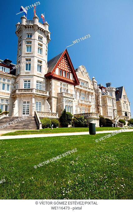 Magdalena Palace, Santander. Vertical view