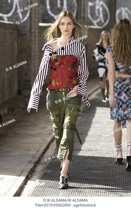 MARQUESÂ-ALMEIDA Runway at London Fashion Week September 2017 - Spring / Summer 2018. London, UK 18/09/2017. | usage worldwide