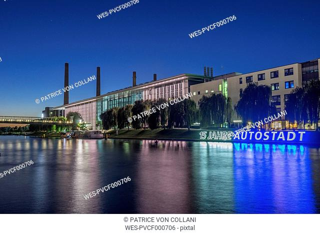Germany, Lower Saxony, Wolfsburg, Autostadt in the evening, combined heat and power station of Volkswagen