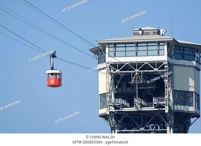 Cable car red Teleferic Montjuic Port Vell tower