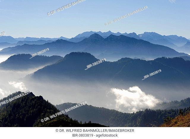 Sonntagshorn and Vorderlahnerkogel in front of the Watzmann, Hochkalter and Hocheisspitze from Hochfelln, Bergen, Chiemgau Alps, Upper Bavaria, Bavaria, Germany