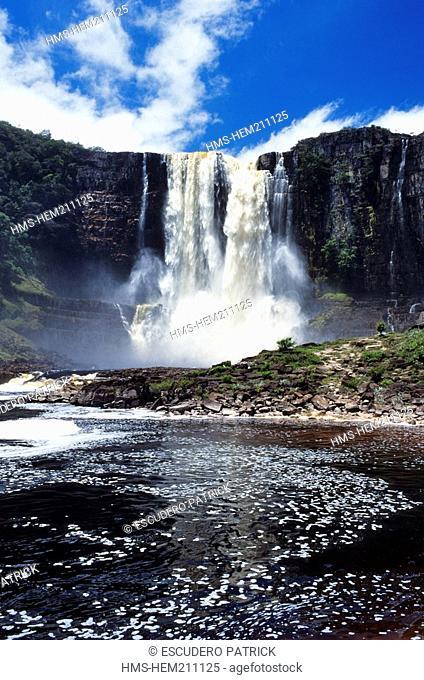 Venezuela, Bolivar State, Gran Sabana area, Canaima National Park, listed as World Heritage by UNESCO, Aponwoa or Chinak Meru Waterfalls