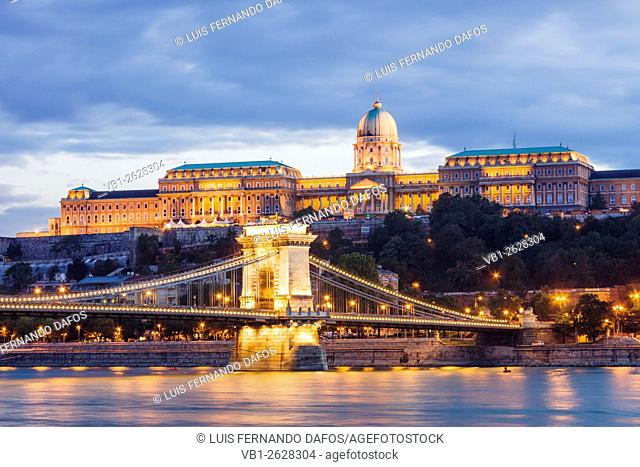 Royal Palace (18th c) and Chain Bridge at night. Budapest, Hungary