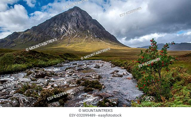 Looking along the river coupall to Buchaille Etive Mor