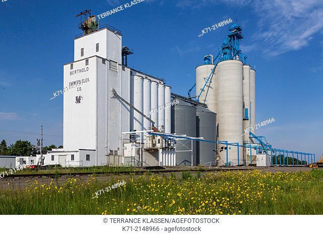 Inland grain terminals at Berthold, North Dakota, USA