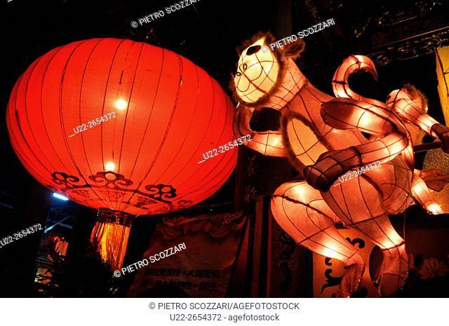 Taipei, Taiwan: lanterns at Mengjia Longshan Temple