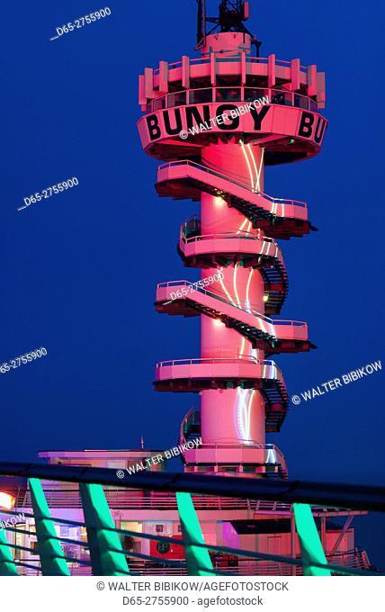 Netherlands, Scheveningen, De Pier, Scheveningen Pier's bungy jump tower, dusk