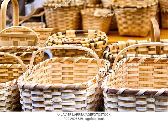 Artisan Baskets, Feria de Santo Tomás, The feast of St. Thomas takes place on December 21. During this day San Sebastián is transformed into a rural market