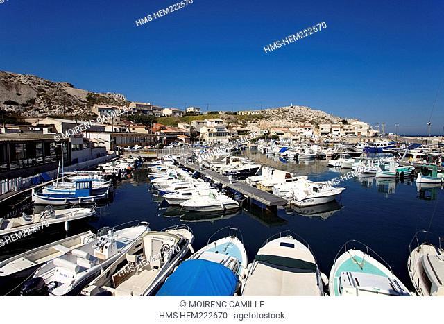 France, Bouches du Rhone, Marseille, Calanques to the Les Goudes harbour