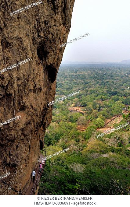 Sri Lanka, Central province, Matale District, Sigiriya, Old city of Sigiriya listed as World Heritage by UNESCO, Rock of the Lion former Royal Palace