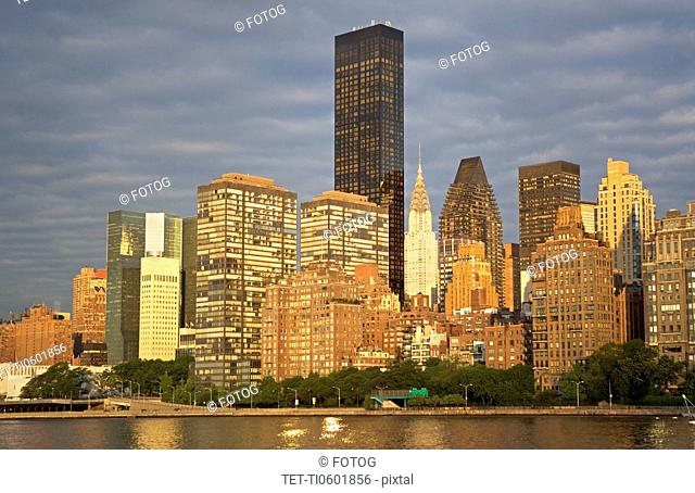 USA, New York State, New York City, Manhattan skyline