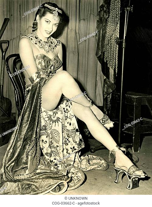The American actress Yvonne De Carlo is preparing for a scene in the film Song of Scheherazade