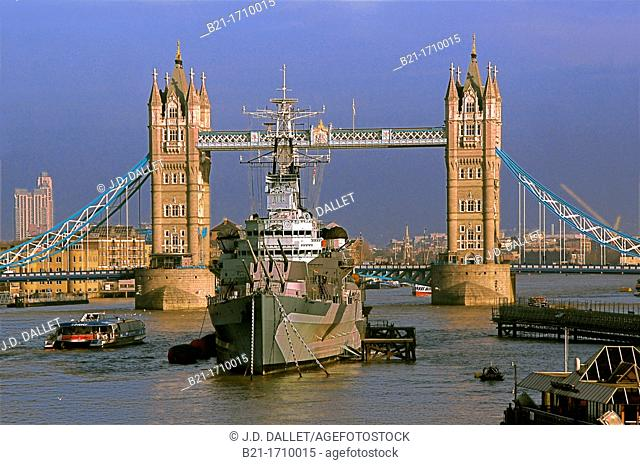 UK, London, the London Bridge, on the Thames river