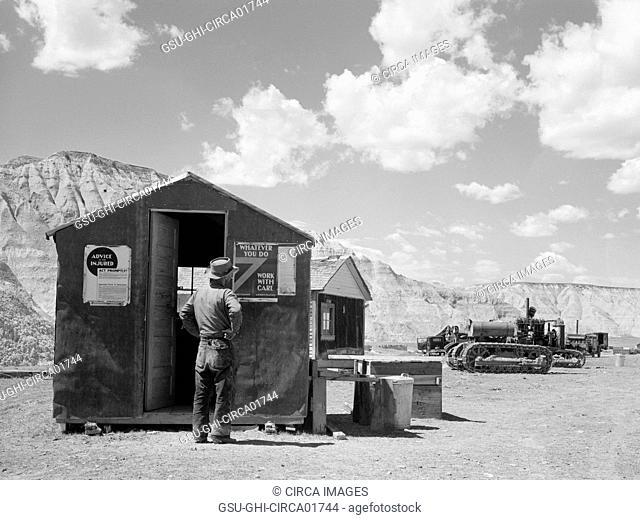 U.S. Resettlement Administration Work camp, Badlands National Park Extension, South Dakota, USA, Arthur Rothstein for Farm Security Administration (FSA)