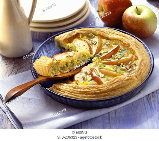 Apple and leek quiche with sunflower seeds (2)