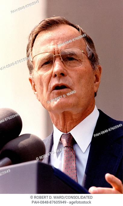 Following a briefing by top Pentagon officials, United States President George H.W. Bush delivers a speech to US Department of Defense employees during which he...