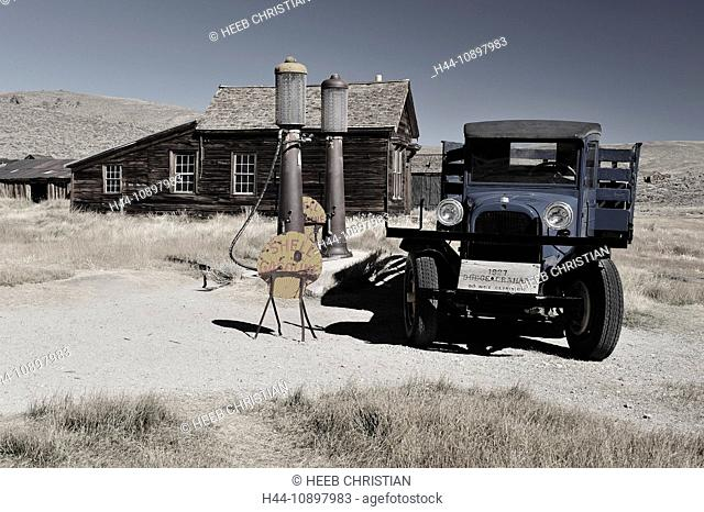 Bodie State, historic, Park, near Lee Vining, California, USA, United States, America, historical, field, houses, old, car, gas station